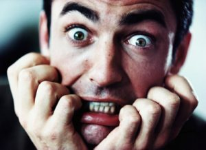 человек с фобией испытывает сильную панику