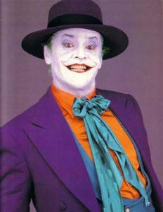 Джокер - известный персонаж в образе злого клоуна