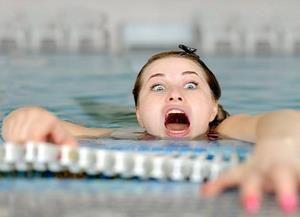 Страх утонуть характерен для тех, кто не умеет плавать
