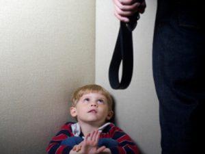 жестокое обращение с ребенком может привести к страху безумия впоследствии