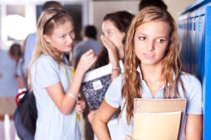 для развития фобии достаточно просто частых насмешек от сверстников в детстве