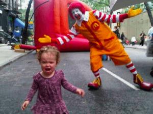 многие дети испытывают страх перед клоунами