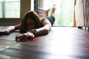 Женщины страдают агорафобией чаще мужчин