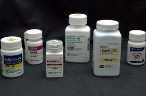 для лечения монофобии используются антидепрессанты