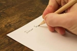 записывание позитивных мыслей помогает лечению