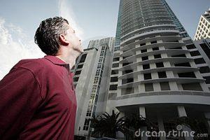 фобия может быть связана со страхом высоких зданий
