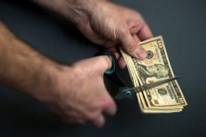 Деньги − это необходимость жизни