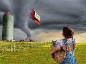 торнадо приносит большие разрушения