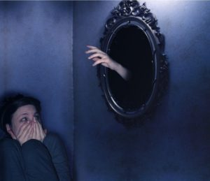 Эйсоптрофобия известна еще как зеркальная болезнь