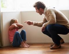 грубость отца может вызвать тревожность у дочери