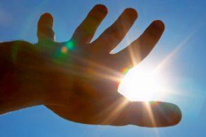 Солнце светит