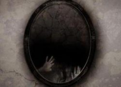 люди с фобией верят в призраков внутри зеркал