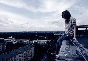 суицид распространен среди подростков