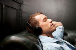 прослушивание музыки успокаивает