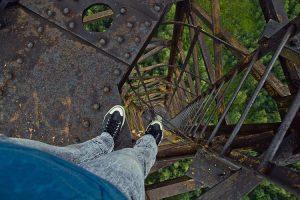 страх высоты заложен эволюционно