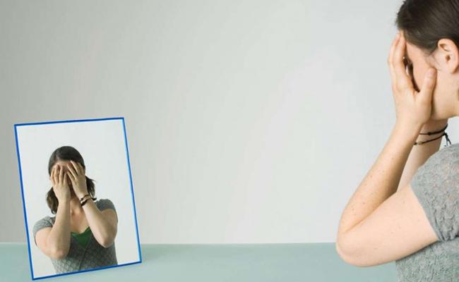 Как называется боязнь зеркал и как избавиться от спектрофобии
