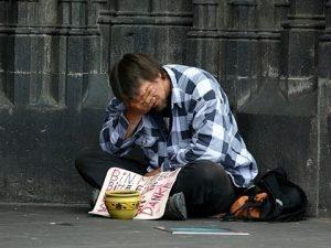 многие люди испытывают страх нищеты